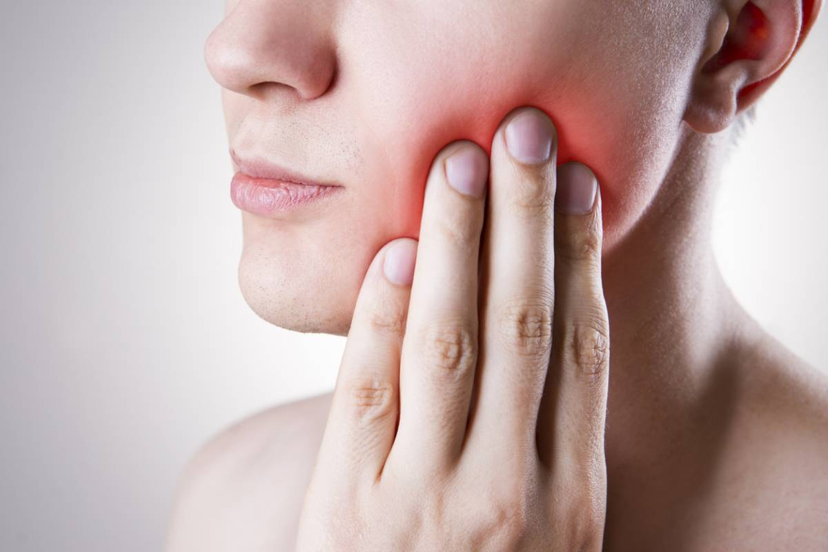 Can a tooth injury cause an infection.